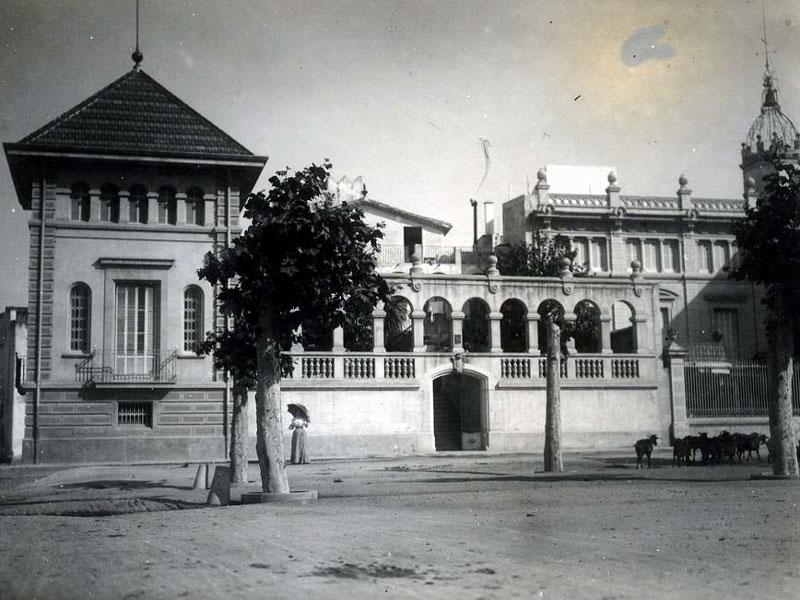 Casa Llagustera al final del segle XIX AMSFG. Col·lecció Santiago Güitó (Autor: desconegut)