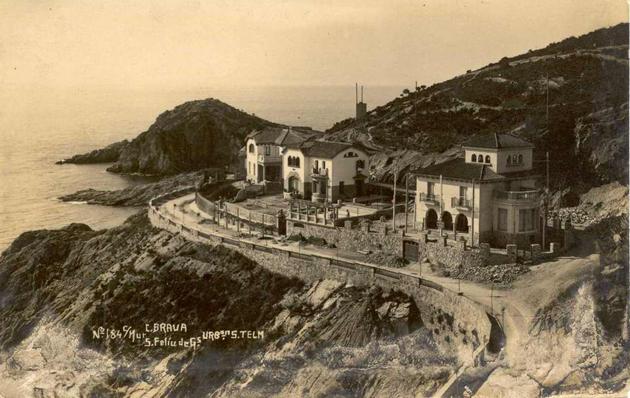 Vista dels primers xalets de la urbanització de Sant Elm cap al 1928 AMSFG. Col·lecció Municipal d'Imatges (Ricard Mur)