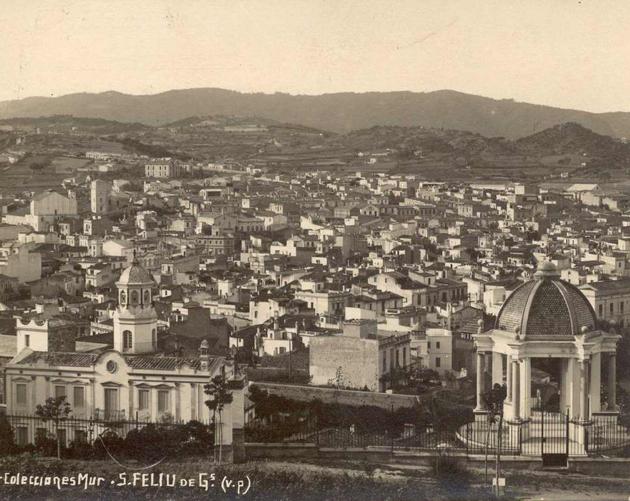 Vista de Can Malionis, residència del primer promotor de la urbanització de Sant Elm, Pere Rius i Calvet, amb el característic mirador a la dreta. AMSFG. Col·lecció Espuña-Ibáñez (Ricard Mur)