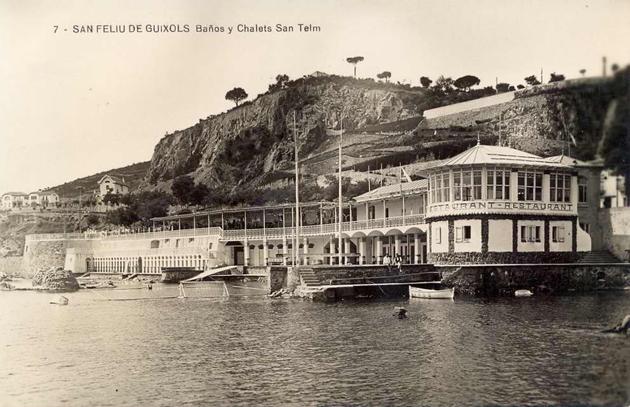Banys i xalets de Sant Elm cap al 1930 AMSFG. Col·lecció Municipal d'Imatges (Autor desconegut)