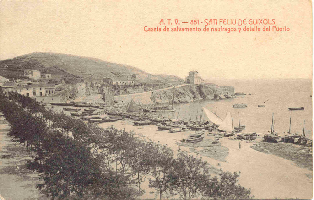 Vista del racó de Llevant amb la punta dels Guíxols, on se situava el poblat ibèric, al principi del segle XX AMSFG. Col·lecció Municipal d'Imatges (Àngel Toldrà Viazo)