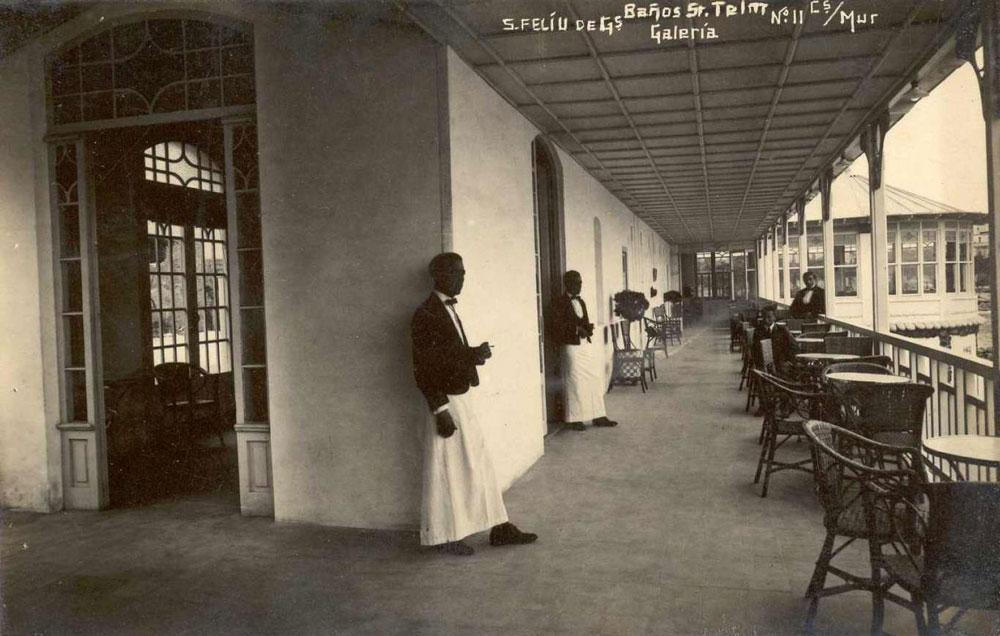 Galeria i restaurant dels Banys de Sant Elm cap al 1930 AMSFG. Col·lecció Albert Jeremías (Autor: Ricard Mur)