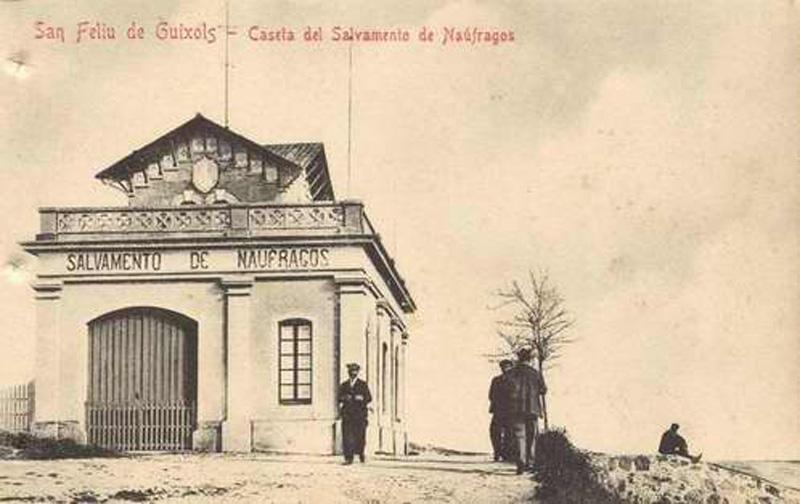 Caseta de la Junta Local de Salvament de Nàufrags cap al 1900. AMSFG. Col·lecció Municipal d'Imatges (Autor desconegut)