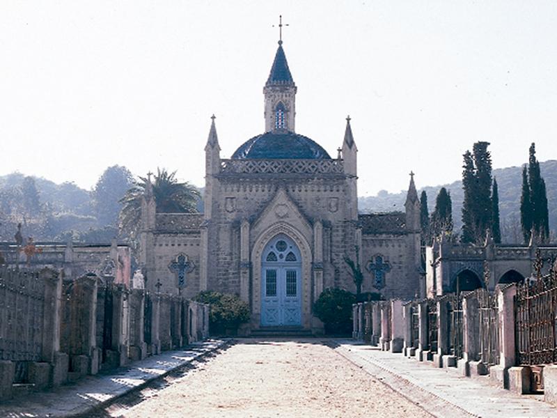 capella de cementiri de sant feliu de guíxols projectada per larquitecte Manuel Almeda - Sóc Sant Feliu de Guíxols