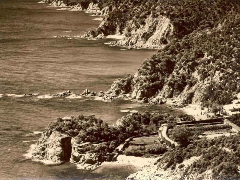 Punta de Canyet i platja, cap al 1960 AMSFG. Col·lecció Josep Escortell (Autor: Meli)