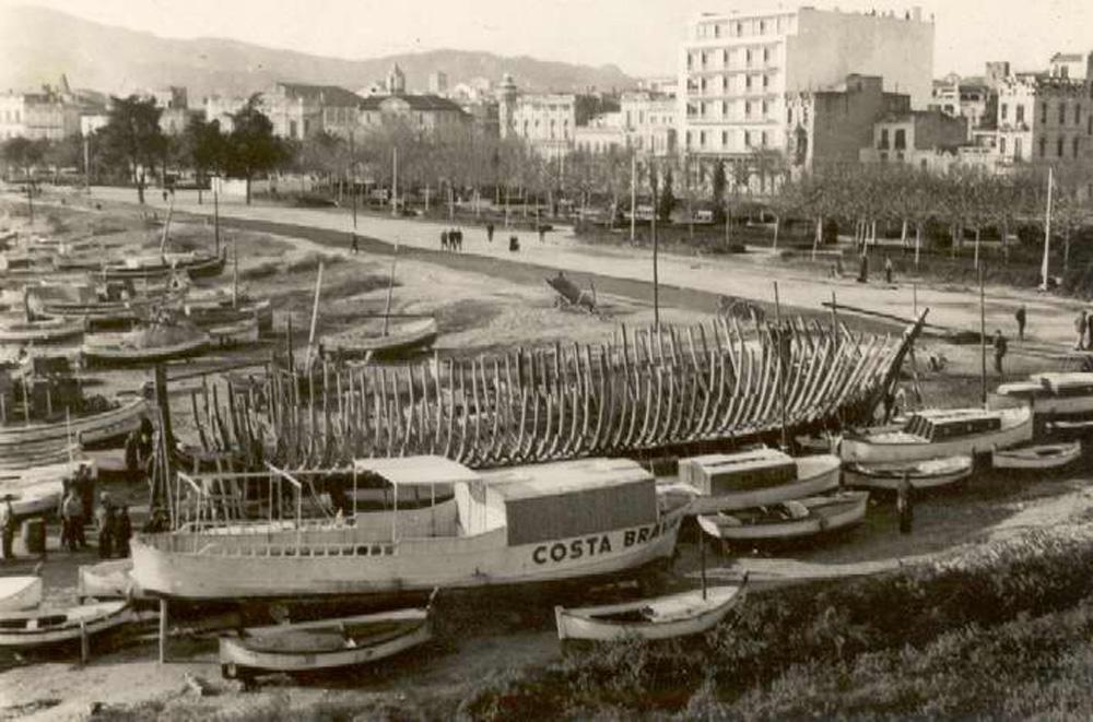 Drassana de Ramon Gay al racó de Llevant, cap al 1960. AMSFG. Fons Enric Figueras (Autor: L. Roca).