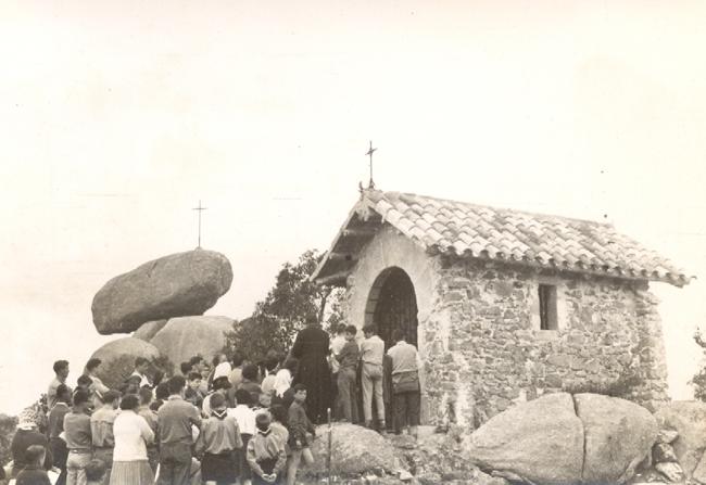 Missa amb motiu de l'Aplec de Pedralta, anys setanta AMSFG. Fons Enric Figueras Ribas (Autor desconegut)