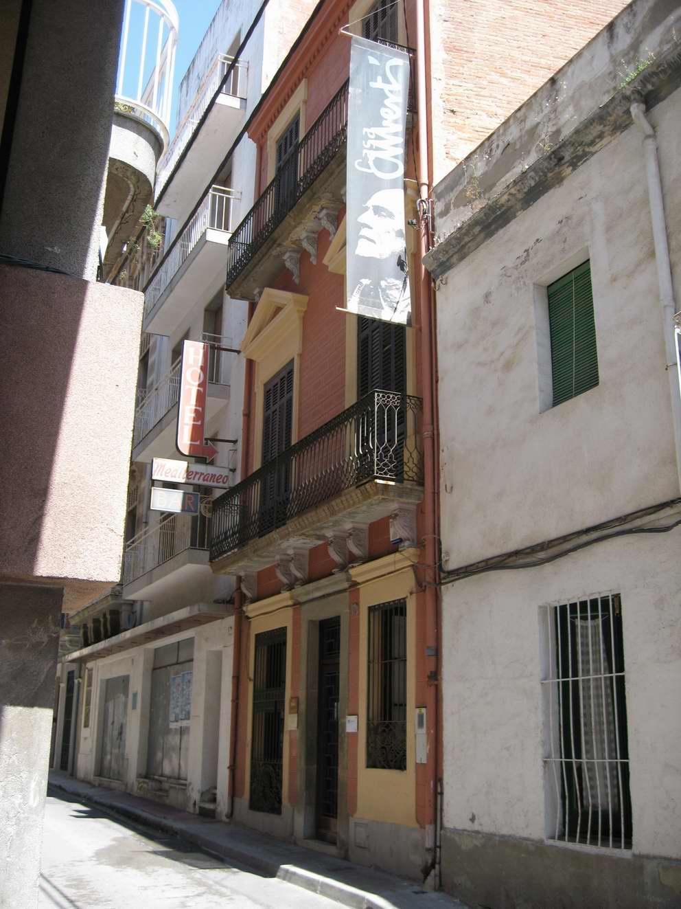Façana de la Casa Albertí l'any 2010. AMSFG. Col·lecció Municipal d'Imatges (autor: Josep Auladell).