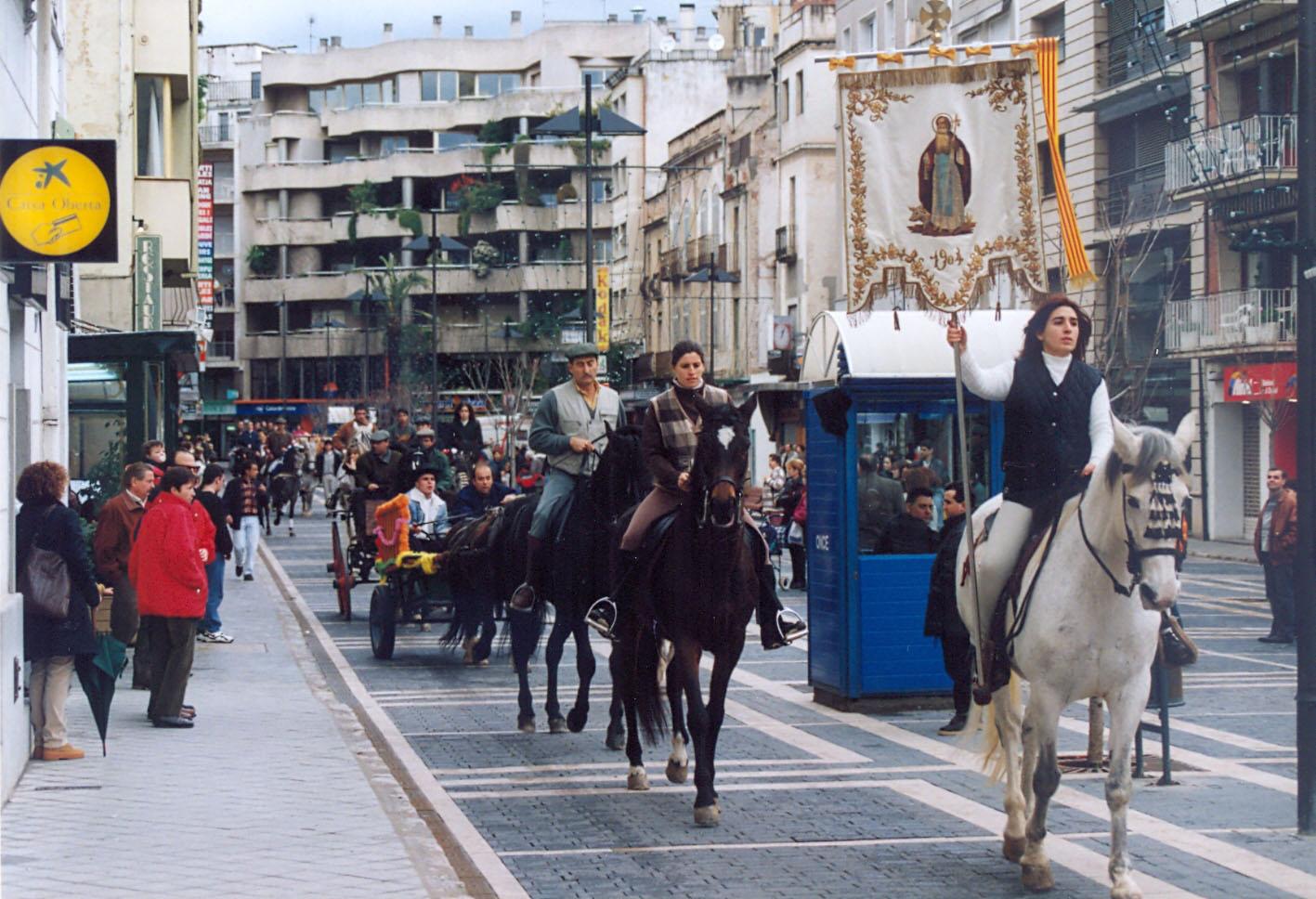 Seguici passant per la rambla Vidal, 1999. AMSFG. Fons Ajuntament de Sant Feliu de Guíxols (Autor Xavier Colomer-Ribot)