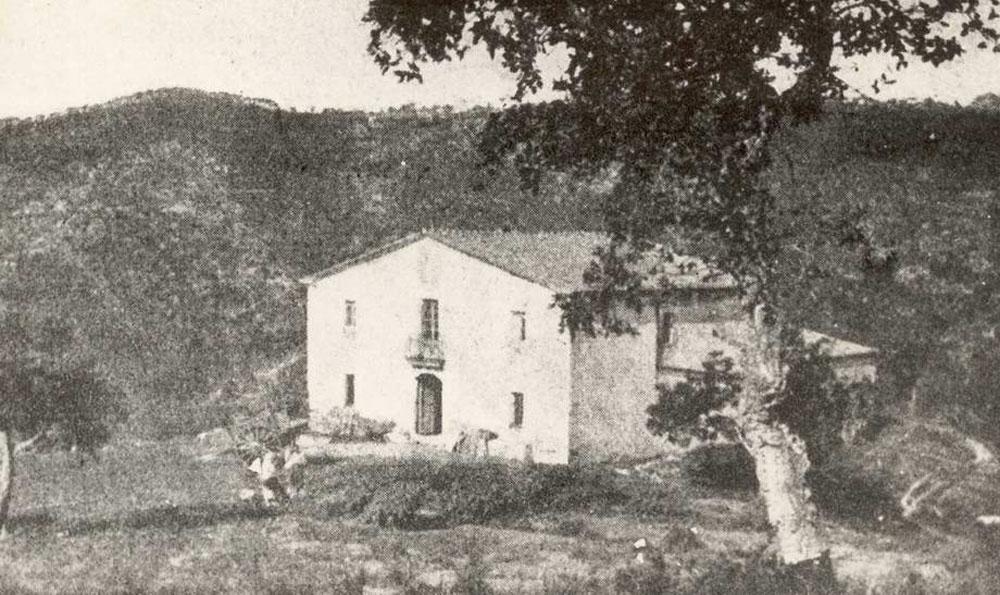 Vista del mas Romaguer o Divina Pastora, al principi del segle XX. AMSFG. Col·lecció Santiago Güitó (Autor desconegut).