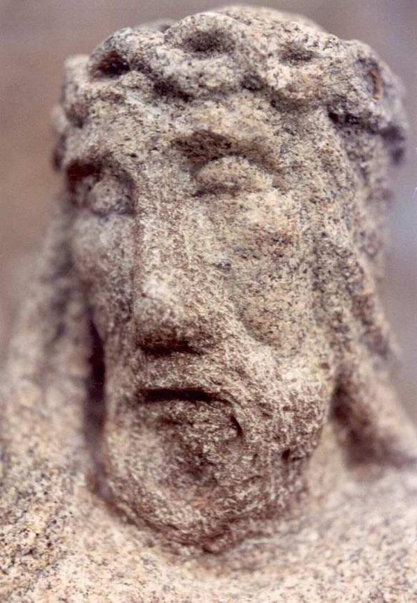 Detall del Crist de Sant Elm després de la restauració de Néstor Sanchíz, 1993 AMSFG. Col·lecció Municipal d'Imatges (Autor: Néstor Sanchíz)